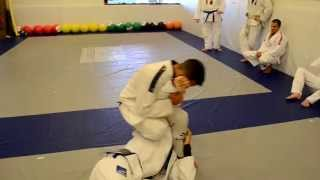 Defending the head lock with osoto gari – START BJJ Academy