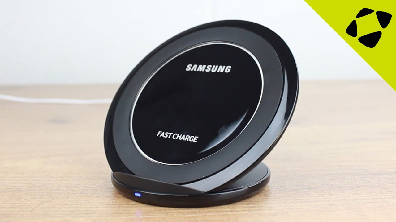 7def4822c4a Official Samsung Fast Charge Wireless Charging Stand Review - Hands ...