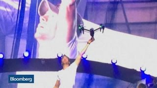 Top Photos: Enrique Iglesias Injured by Drone Filming Concert