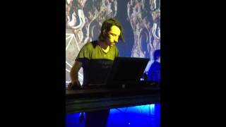 Hobo Cubes live at Mutek 15x15 (1/4)