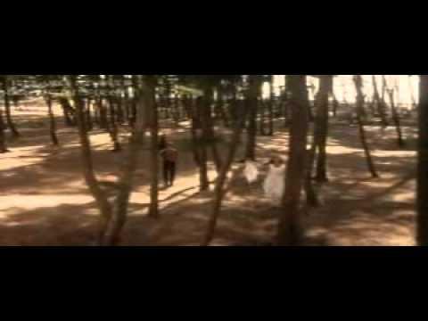 raja-ko-rani-se-pyar-ho-gaya---akele-hum-akele-tum-movie.mp4