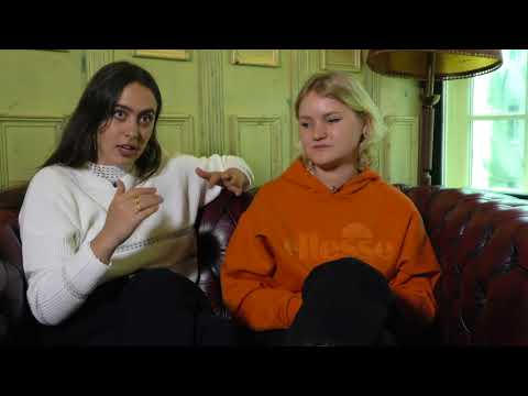Hinds interview - Ana and Amber (part 1)