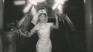 Салоны для новобрачных Униврмага Юбилей(Советская реклама свадебного салона универмага Юбилей в Санкт-Петербурге., 2015-12-07T22:50:22.000Z)