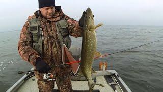 Рыбалка 2015: Ловля щуки зимой по открытой воде