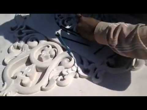 STONE CARVING WHILE MAKING TEMPLE IN INDIA