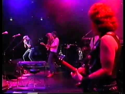 The Doobie Brothers Long Train Runnin'   Live at Budokan '932.flv