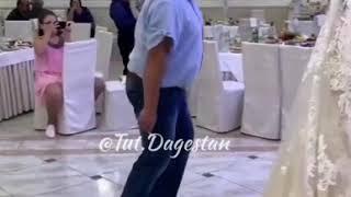 Танец «упитанных лебедей» дагестанских мужчин попал на видео, 22 октября 2019