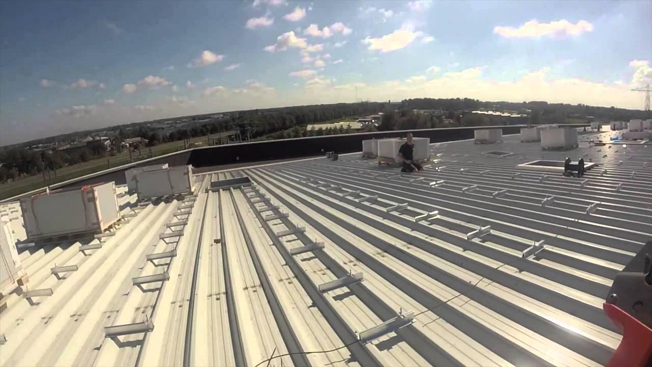 Unieke beelden bouw 1miljoenwatt zonne-energiedak op stadion Euroborg