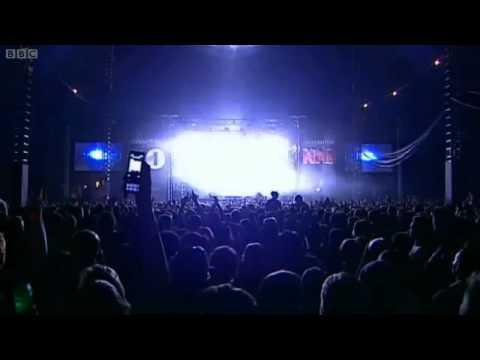 Crystal Castles - Telepath (Live)