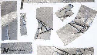 Opravdu lze odstranit bradavice jen pomocí univerzální lepicí pásky?
