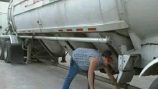 Video This Job Blows, Unloading a Pneumatic Tank pt I download MP3, 3GP, MP4, WEBM, AVI, FLV Agustus 2017