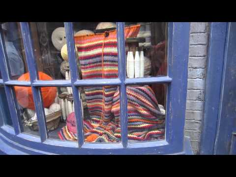 Self-Knitting Needles Window Wizarding World of Harry Potter Diagon Alley