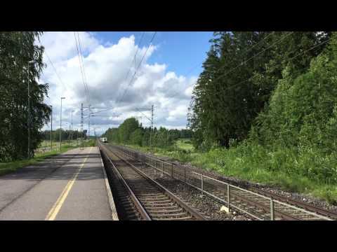 [VR] Pendolino service nr. S53 Helsinki → Oulu passing Nuppulinna halt.