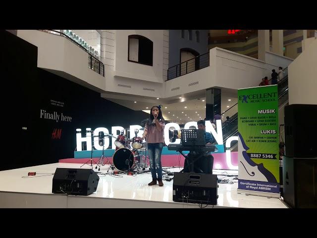 Djennars keyboard performance 2017 with Ghea