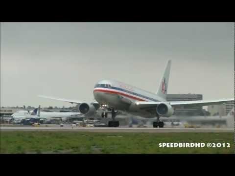 American Airlines Boeing 767-223(ER) [N321AA] Takeoff