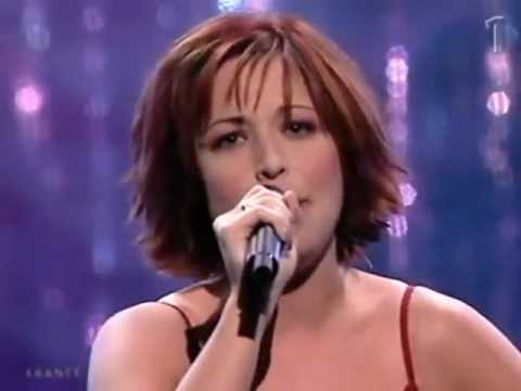 Eurovision 2001- France- Natasha St-Pier- Je nai que mon âme