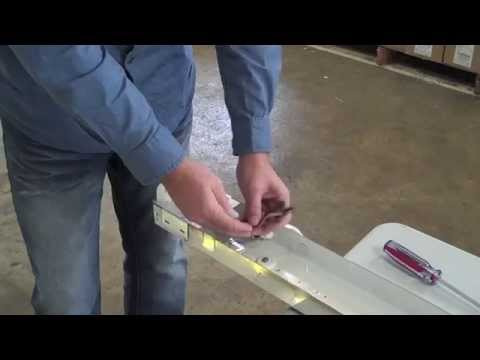 retro-a-fluorescent-strip-fixture-to-led