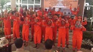 Video PPSU Jakpus Joget di Depan Anies dan Sebut Slogan Maju Kotanya Bahagia Warganya download MP3, 3GP, MP4, WEBM, AVI, FLV September 2018