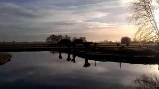 Vakantiehuis aan het water met rustige vogelgeluiden
