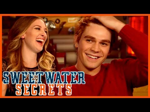 Riverdale Season 2: Which Couple Does KJ Apa Ship? Barchie, Bughead, Or Alice & FP?!
