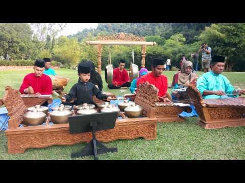 Muzik gamelan- Topeng( MITG) 2015 by Wak Long Music Centre