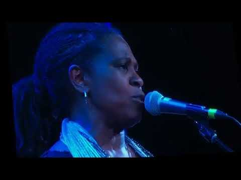 Bonnie Raitt with Ruthie Foster & Martie Maguire - Angel From Montgomery (John Prine)