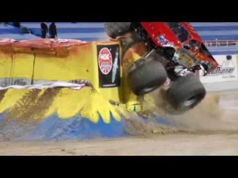 Monster Trucki Wypadki Skoki Kraksy Wielkie Ciężarówki