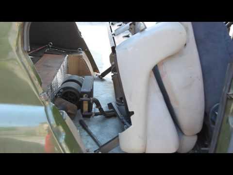 УАЗ 469 с мотором Мерседес ОМ 603. Салон: задние сиденья.