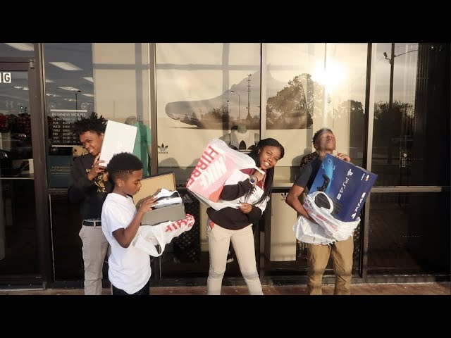 surprised-mark-jr-with-a-ps4-for-his-bday-took-dede3x-bam-mya-jay-with-new-shoe-s