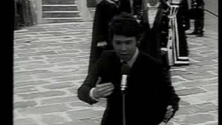 RAPHAEL La Llorona, directo Mexico 1968 [HQ] - www.raphaelfans.com