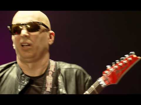 Joe Satriani Satchurated 2012 BDRip x264 720p1