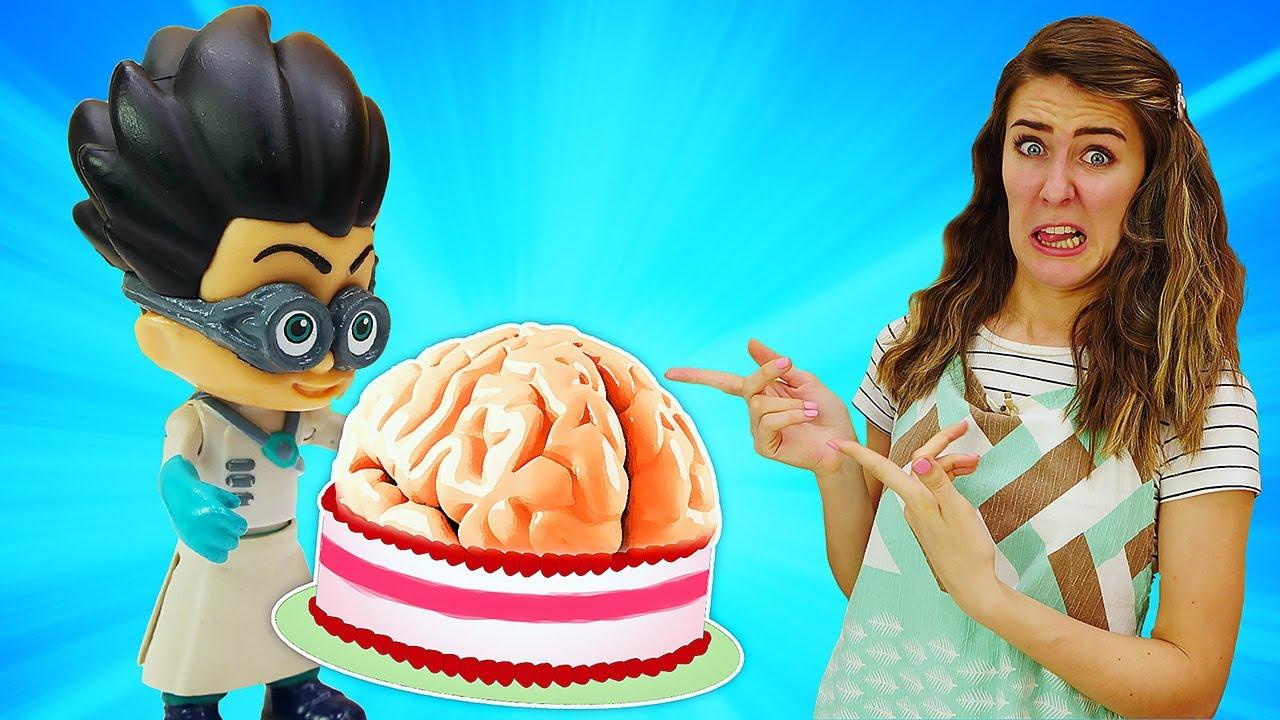 Un pastel que se parece a un cerebro ¡Halloween con los juguetes PJ Masks! Cocina para niños