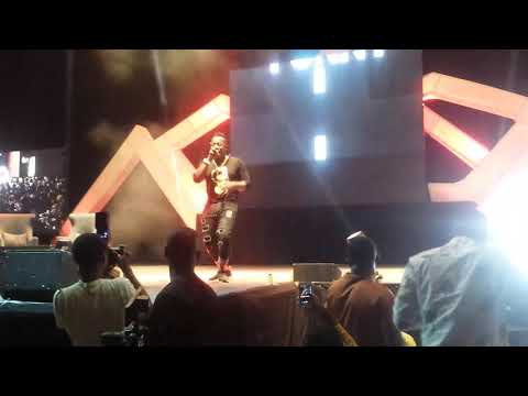 WIZKID SURPRISE PERFORMANCE WITH DUNCAN MIGHTY