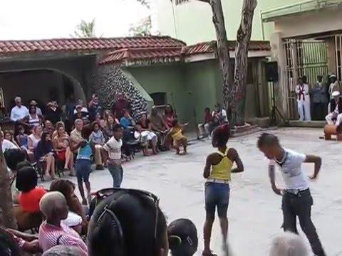AMAZING!! Cuban kids performing Cuban salsa in Havana