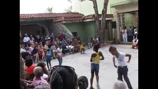 AMAZING!! Cuban kids performing Cuban salsa in Havana