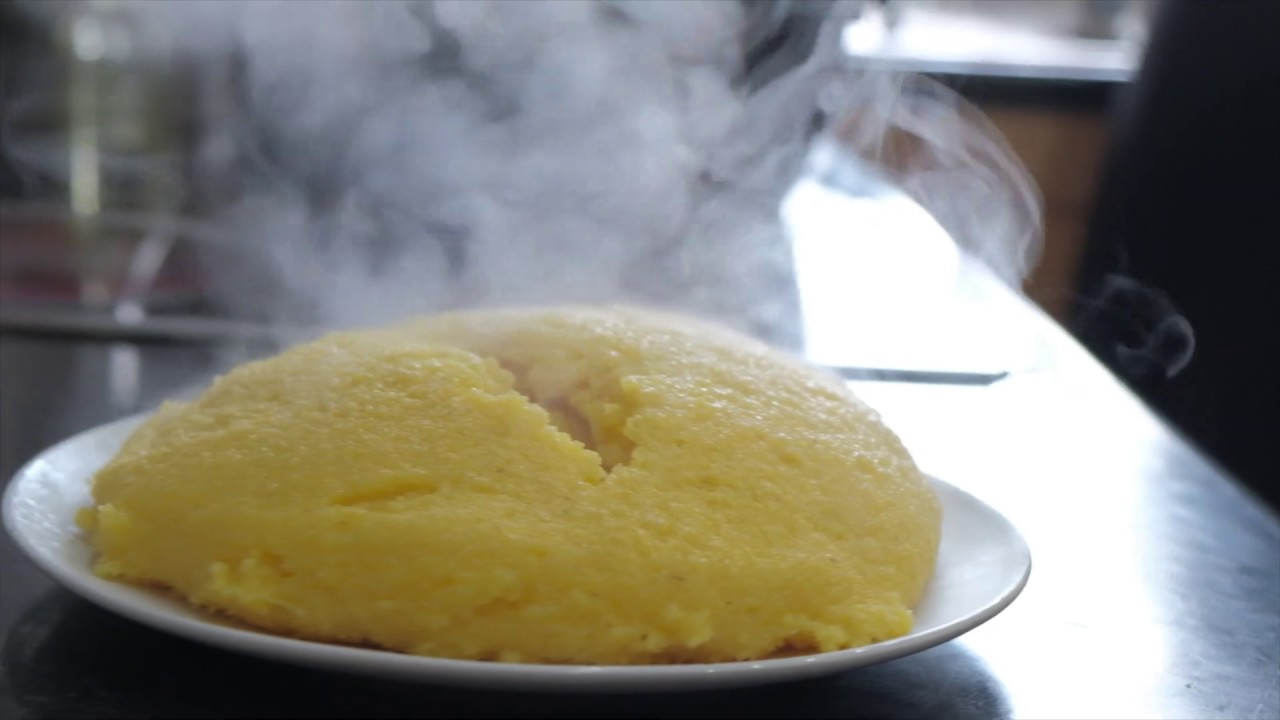 How to make Romanian mamaliga in English | This is the perfect Polenta recipe when you are at rush