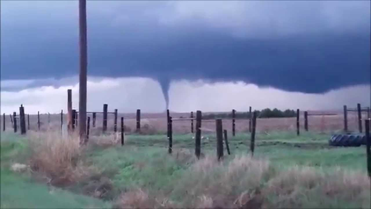 Kansas gove county grinnell - Tornado On The Move In Gove County Kansas