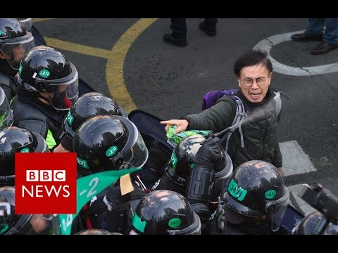 South Korea police clash with protesters - BBC News