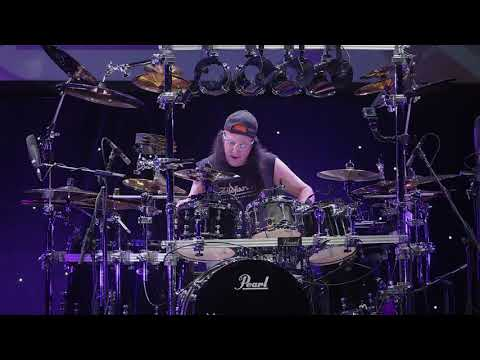 Mike Mangini Amazing Drum Solo At Guitar Center HD