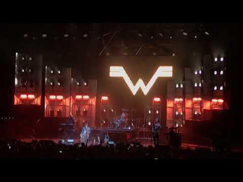 Weezer 6/22/18 - Africa
