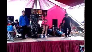 Download Video Goyang Hot rada Gelo MP3 3GP MP4