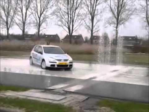 Anti-slipcursus, slippen, bedrijfsuitje, personeelsuitje, teamuitje, vrijgezellenfeest, Friesland