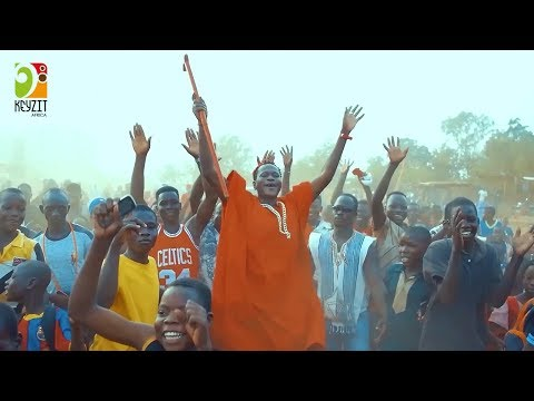 Floby - Toucher le plafond feat Mink's (clip officiel)