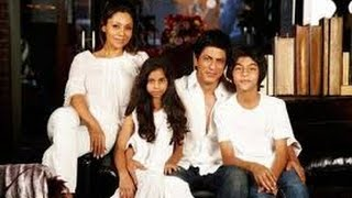 Shahrukh Khan and Gouri with Aryan, Suhana, Abram...Family Video