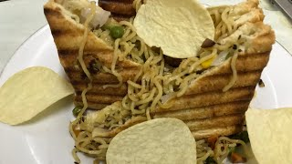 maggi sandwich || Cheesy Maggi Masala Grilled Sandwich || maggi noodles sandwich