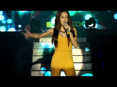 cai sĩ Hương Giang idol @ New Phuong Dong Club
