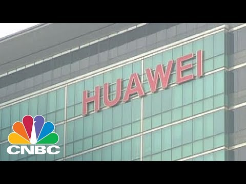 Huawei Is Making Fun Of Apple And The iPhone X In A New Ad | CNBC