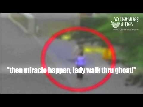 woman-walked-through-a-ghost-in-japan-(-ghost-video)