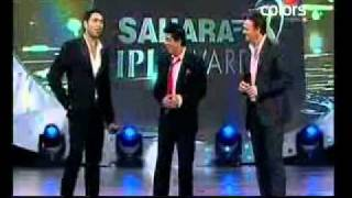 SAHARA IPL AWARDS 2010-SHAHRUKH kHAN'S COMEDY WITH GILCHRIST