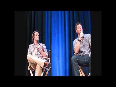 Jared padalecki and Jensen Ackles at Vancouver Con 2009